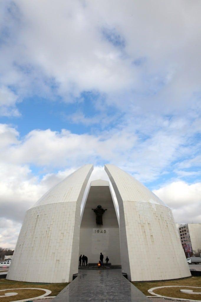 monument commémoratif seconde guerre mondiale Aktau Kazakhstan